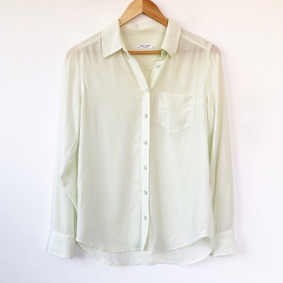 38384119fc4e67 Equipment Tops - Equipment Femme soft green silk blouse